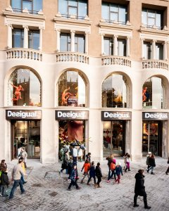Desigual-Barcelona-Plaza-Catalunya