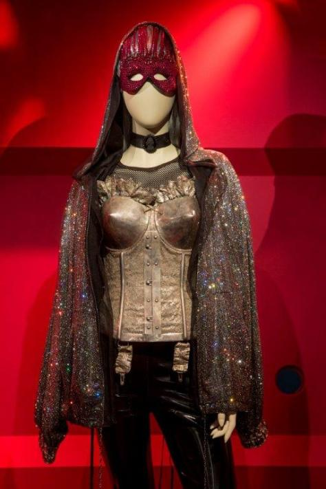 JPG exhibition_Cardigan with Swarovski crystal mesh- ©PatriceStable