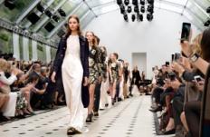 Burberry Womenswear S/S16