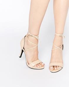Sandalias de tacón anudadas con tiras finas en nude GLAMOROUS 36,99€
