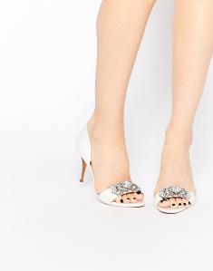 Sandalias de tacón con adornos estilo novia Phinium Tie Tje Knot de Ted Baker 197,99€