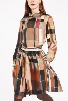Blusa de twill de seda 279€
