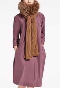 Bufanda de lana y piel 499 €