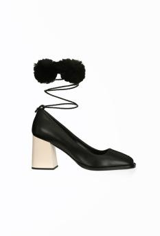 Zapatos atados tobillo 459€