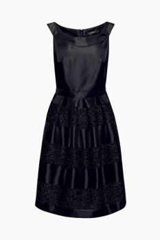 Vestido fiesta con rayas anchas brillantes 89,99 €